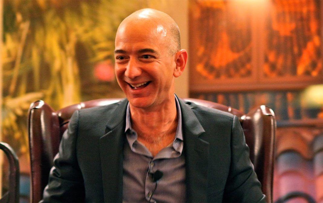 rosnijwsile.pl Jeff Bezos photo: Steve Jurvetson Flickr: Bezos' Iconic Laugh