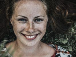rosnijwsile.pl Jak być szczęśliwym? Pełnia życia - Model PERMA - Martin Seligman. Przewodnik do osiągnięcia szczęścia.