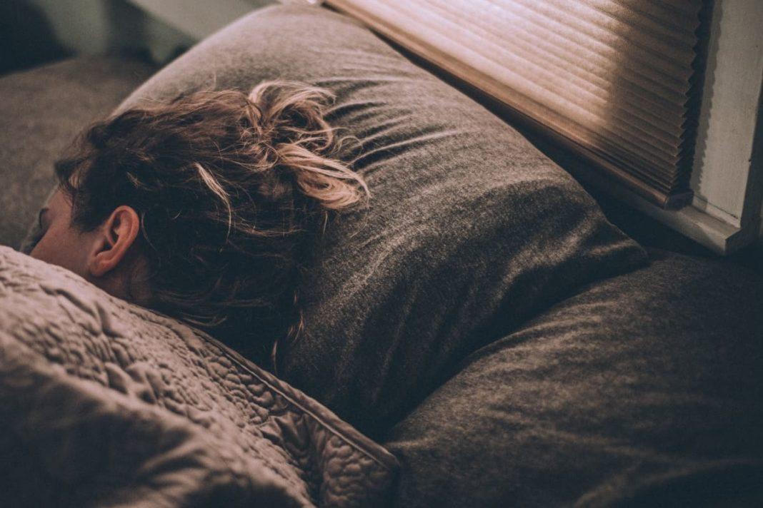 rosnijwsile.pl Co warto robić przed snem? 5 pytań, które codziennie warto sobie zadać przed zaśnięciem