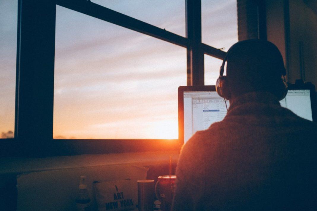rosnijwsile.pl Co nas motywuje? Dlaczego ludzie ciężko pracują na sukces?
