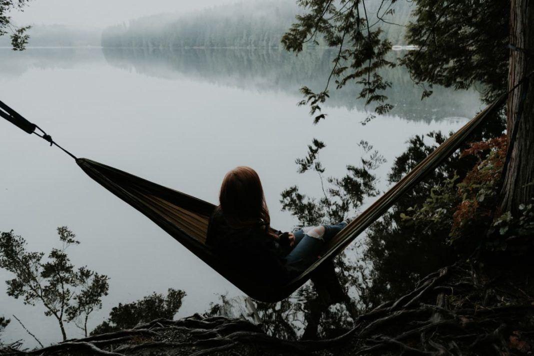 rosnijwsile.pl Samotność z wyboru. Jakie są zalety samotności?