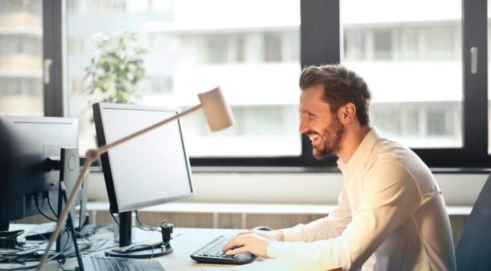 rosnijwsile.pl Jak znaleźć wymarzoną pracę? 5 ważnych kroków do rozwoju kariery
