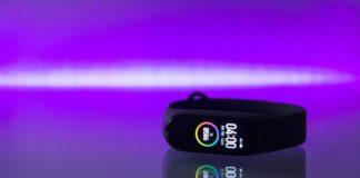 rosnijwsile.pl Jak wybrać smartband? Korzyści, które osiągniesz dzięki inteligentnej opasce sportowej