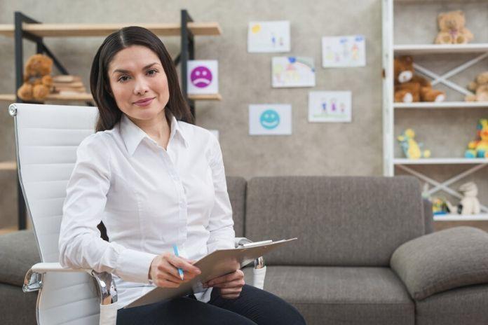 rosnijwsile.pl Jak wybrać psychoterapeutę dla siebie? Kwalifikacje i wykształcenie