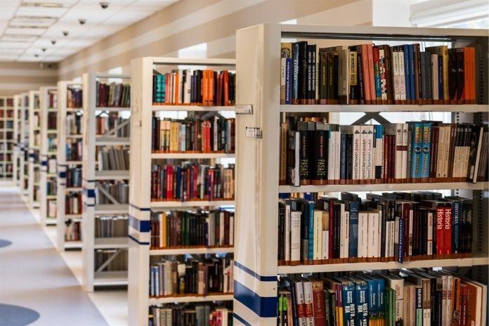 rosnijwsile.pl Jak wybrać dobrą książkę?
