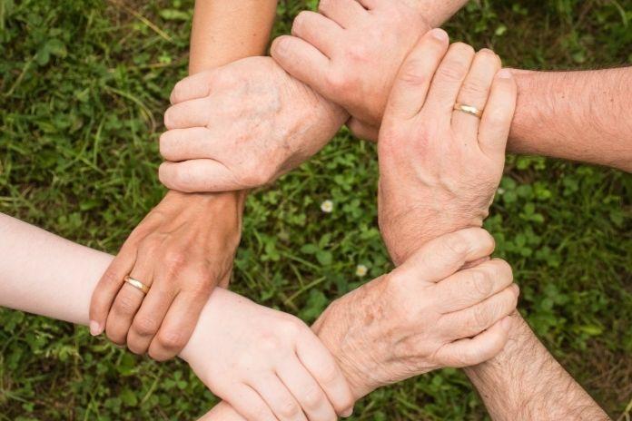 Życiowa misja - Jak nadać życiu sens? Pomaganie innym