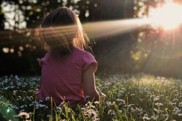 rosnijwsile.pl Mindfulness czyli medytacja. Dobra praktyka dla dzieci i dorosłych która zmienia Nas i Świat