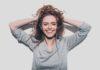 7 skutecznych sposobów jak być bardziej pozytywną osobą w stresującym świecie