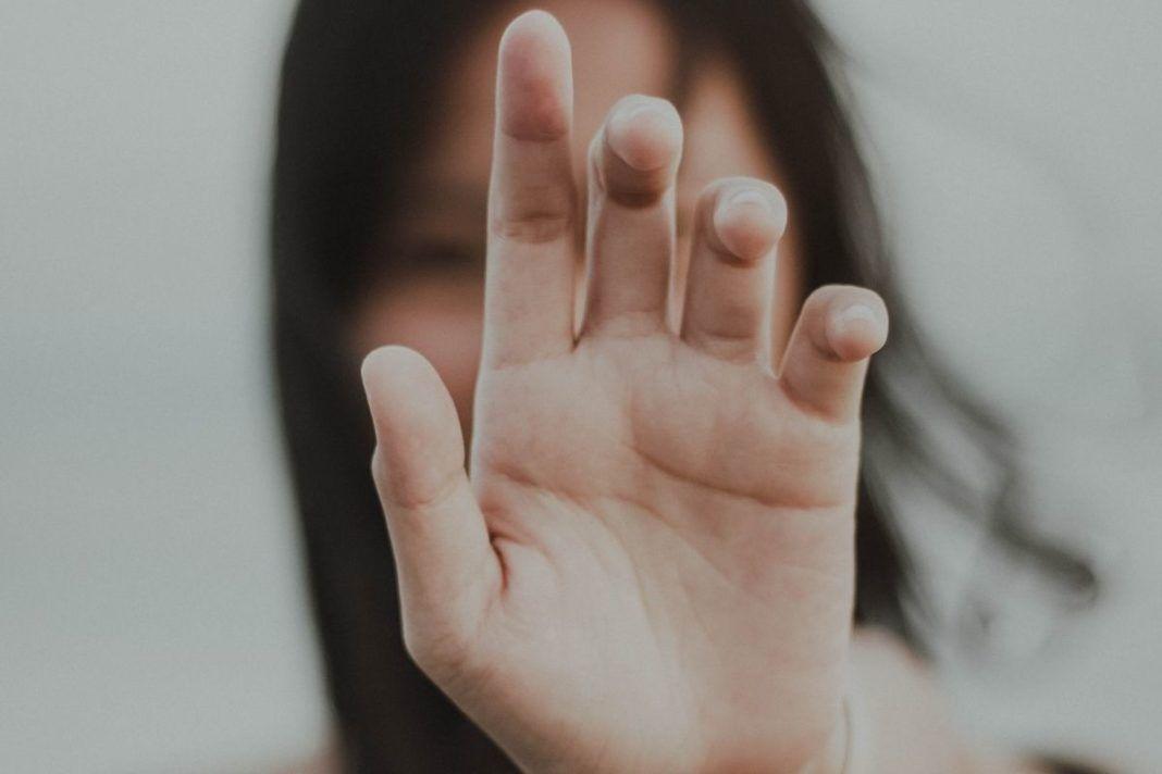 rosnijwsile.pl Jak uspokoić swoją głowę? Model i metoda pięciu palców