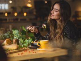rosnijwsile.pl Co jeść żeby być szczęśliwym?